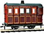 Peco OR-31 4-Wheel Coach/Brake Maroon Livery